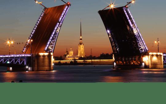 I ponti di San Pietroburgo aprono la crociera di notte