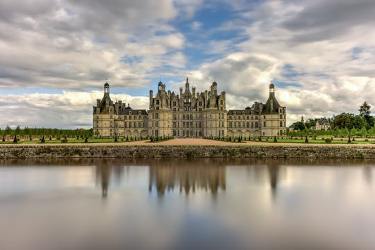 All inclusive Loire Valley wines and castles day tour from Paris