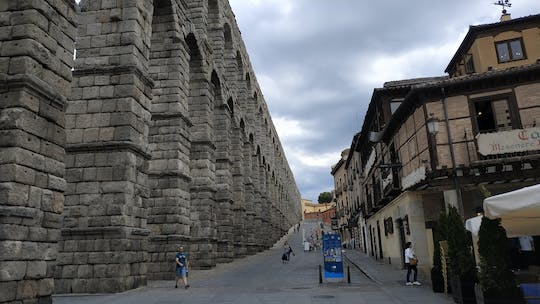 From Madrid: Day tour to Segovia at your own pace