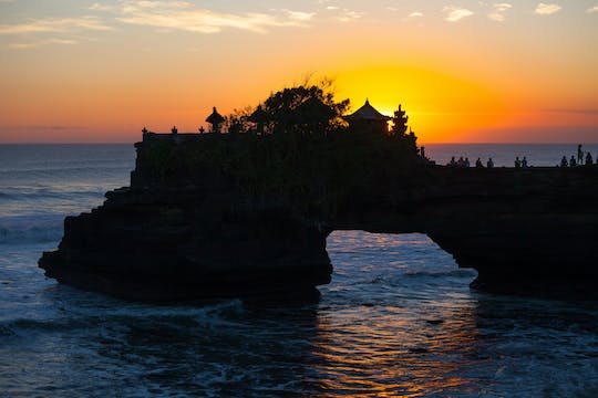 Ceramic class with sunset at Tanah Lot