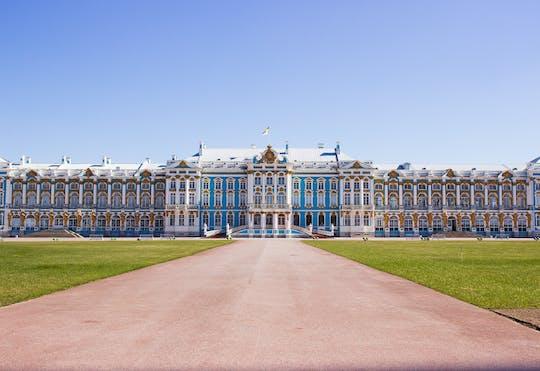 Tour durch den Katharinenpalast und die Peterhof Gärten