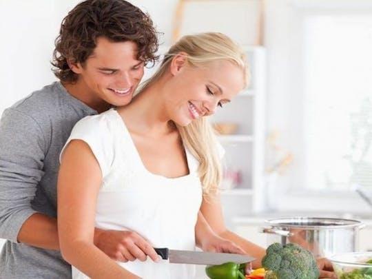 Romantisches Pärchenkochen: Wo die Liebe den Tisch deckt......