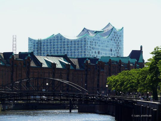 Private Hamburg Tour - Elbphilharmonie Plaza, Speicherstadt and WWII Memorial St. Nikolai