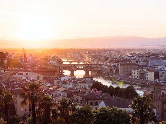 Florence exclusive sunrise walking tour