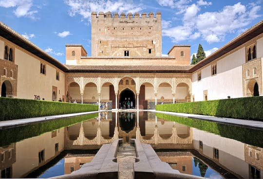 Alhambra guided tour from Estepona, Torremolinos and Nerja