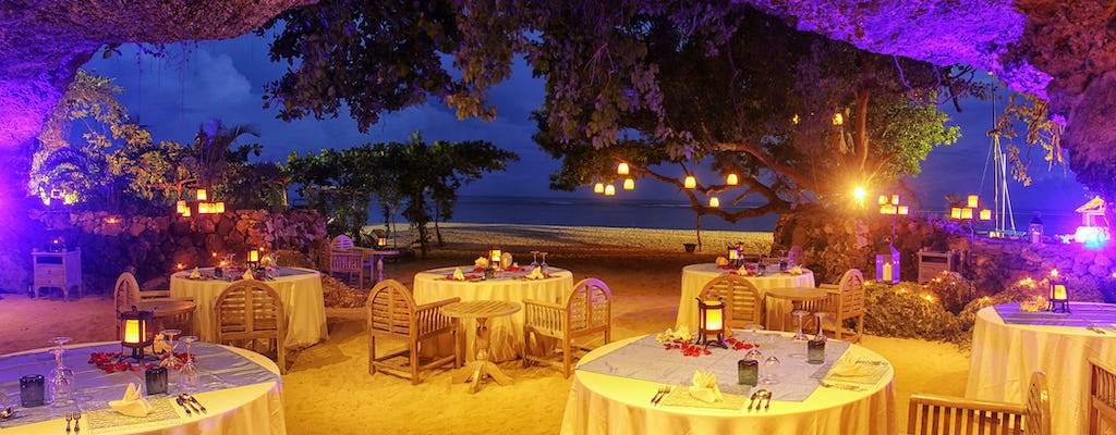 Secret Cave Dining na Bali