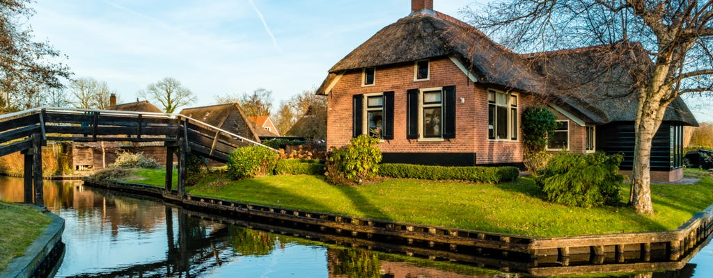 Giethoorn, Woudsend and windmills tour with one hour canal cruise