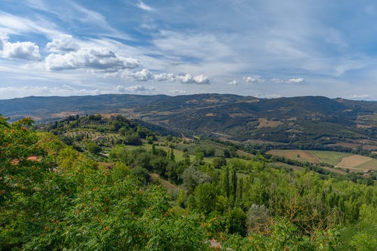 Trekking and local food tasting in the Todi countryside