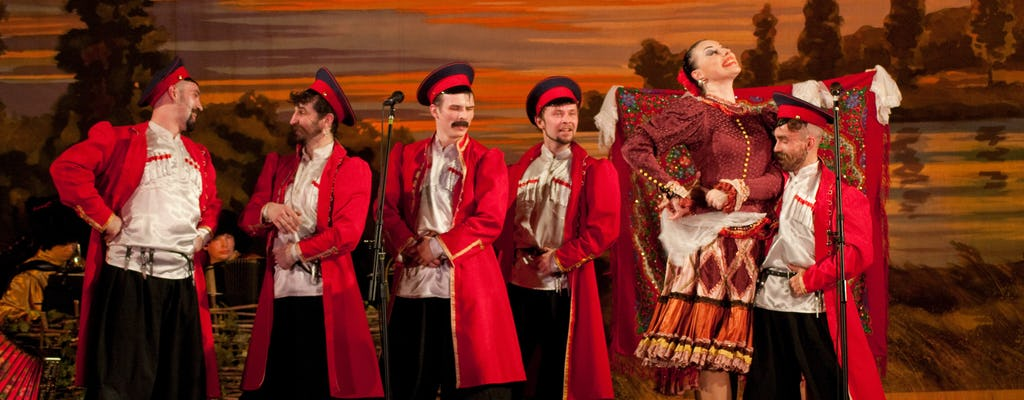 St Petersburg Russian Folk Show with snacks and drinks