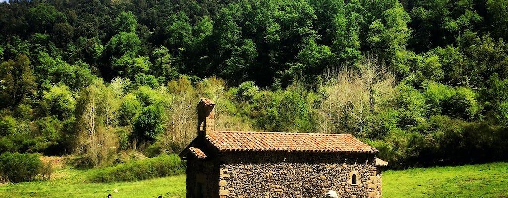 La Garrotxa Volcanic Zone Natural Park Hiking and Besalú medieval town