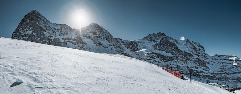 Viagem de um dia para Interlaken e Jungfrau de Lausanne com trem de montanha