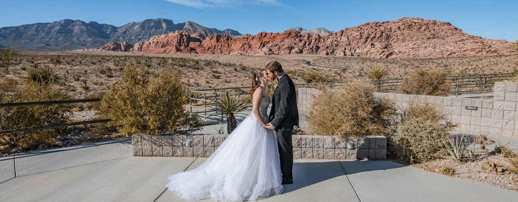 Red Rock Canyon wedding package with limousine from Las Vegas