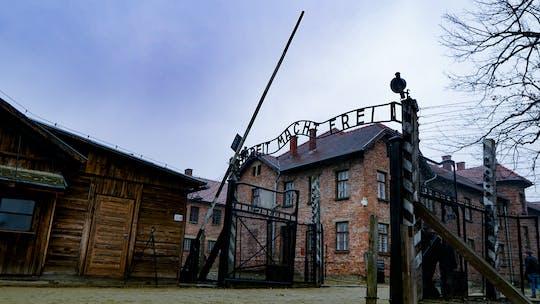Zwiedzanie Muzeum Auschwitz-Birkenau z Krakowa transportem prywatnym