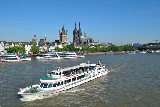 Panorama river boat cruise in Cologne with audio guide