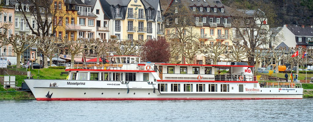 Panorama river boat cruise in Cochem