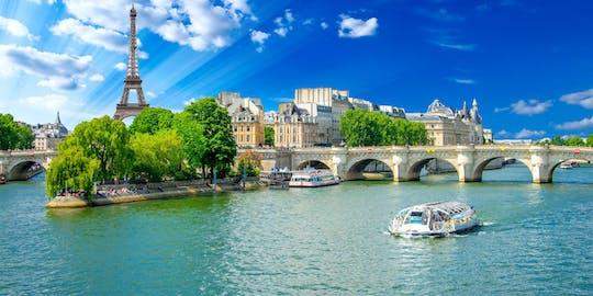 Croisière touristique sur la Seine