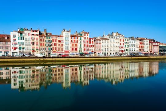 Excursão turística particular em minivan pelo país basco