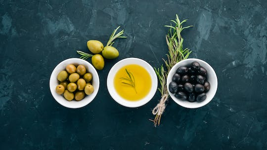 Guided olive oil and food tasting at an oil mill
