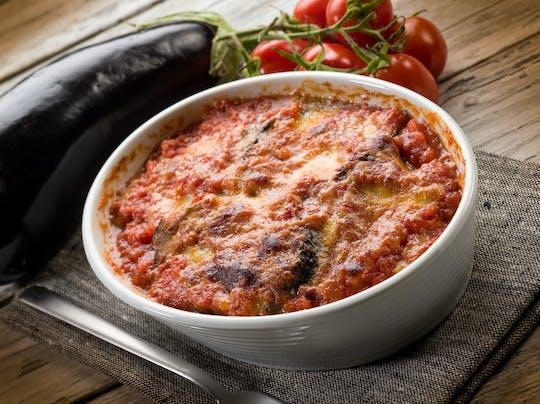 Lezione di cucina e degustazione presso la casa di una Cesarina a Sorrento