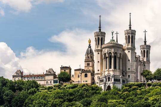 Private guided hike on the Fourvière hill