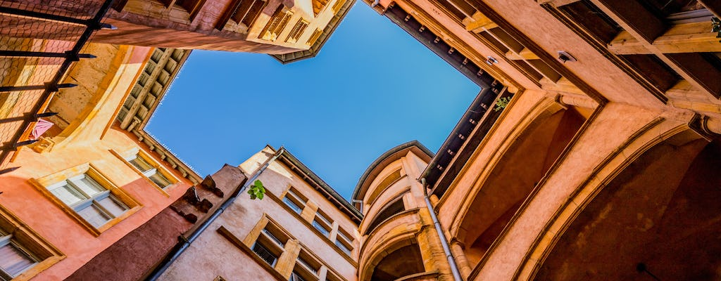 Private guided walking tour for 1 or 2 people of the Old Town of Lyon