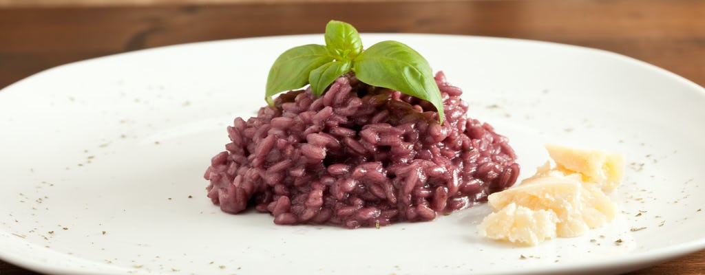 Visita al mercado y experiencia gastronómica en la casa de Cesarina en Verona
