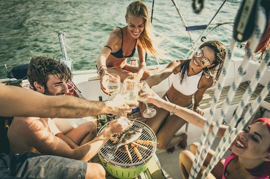 Cruzeiro pela costa sul de Míconos com barco com fundo de vidro