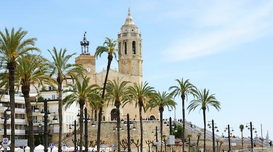 Tour histórico de Sitges y visita a la bodega Miquel Jane con cata de vinos y almuerzo