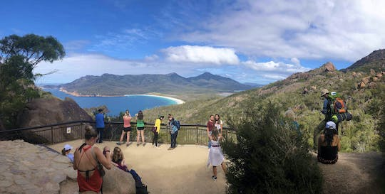 Wineglass Bay and Freycinet National Park Day Tour