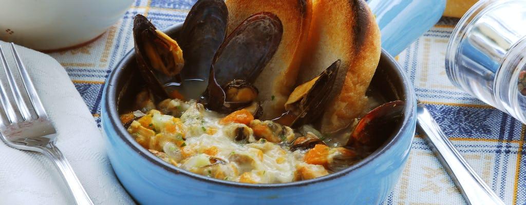 Visita al mercato e lezione di cucina privata presso una casa di Cesarina a La Spezia