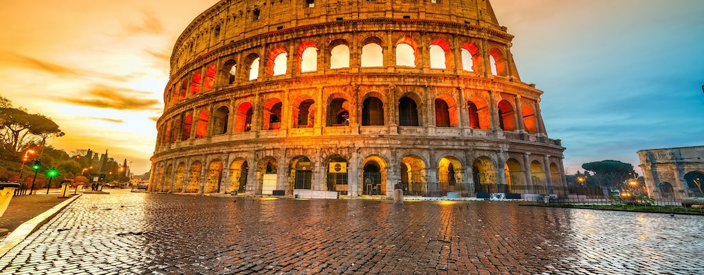 Private tour of the Colosseum and the squares of Rome from Civitavecchia