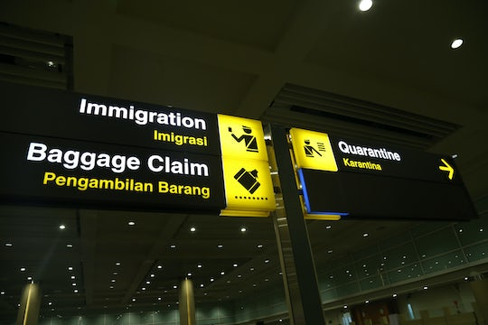 Airport arrival assistance and luggage service