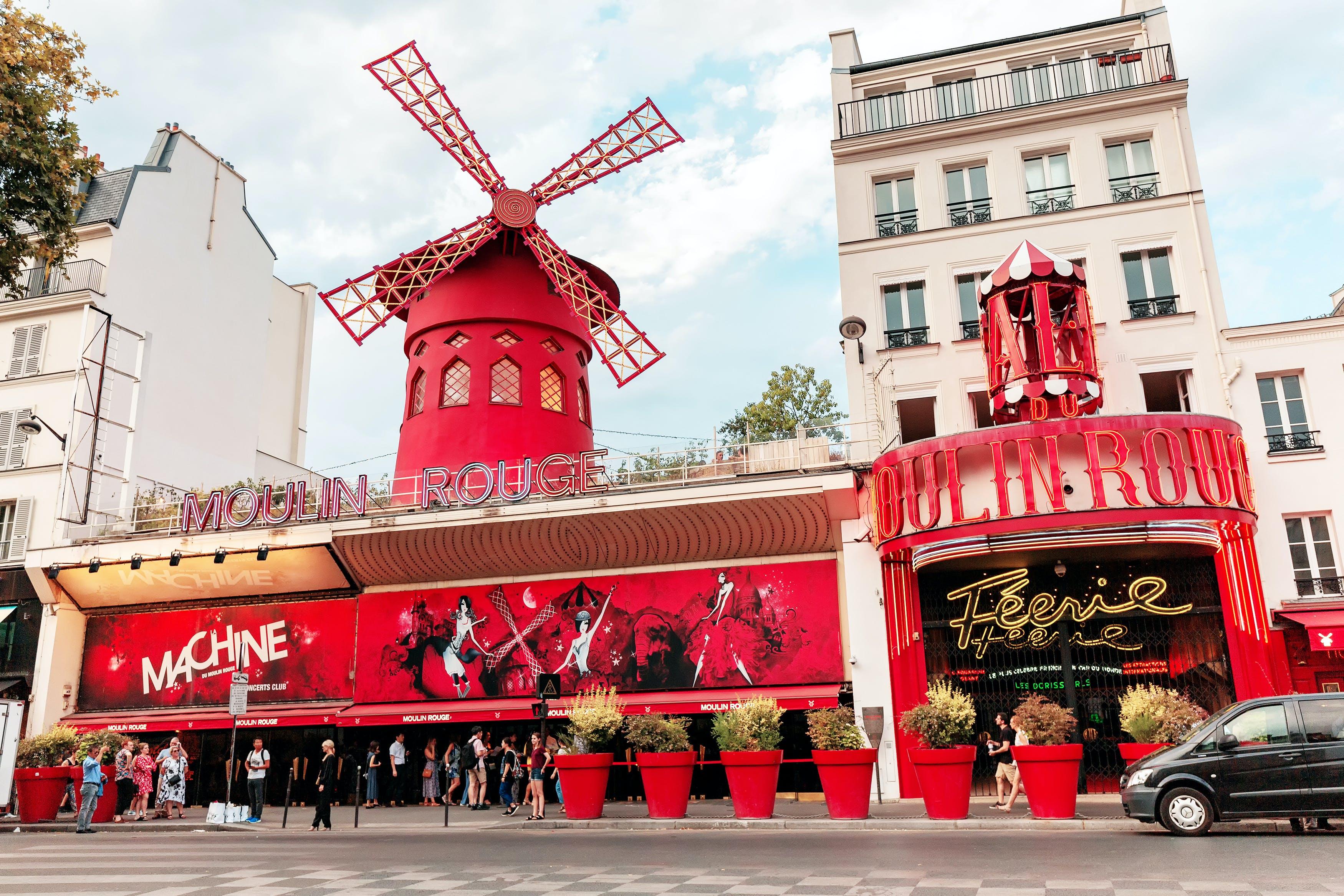 Moulin Rouge em Montmartre Paris