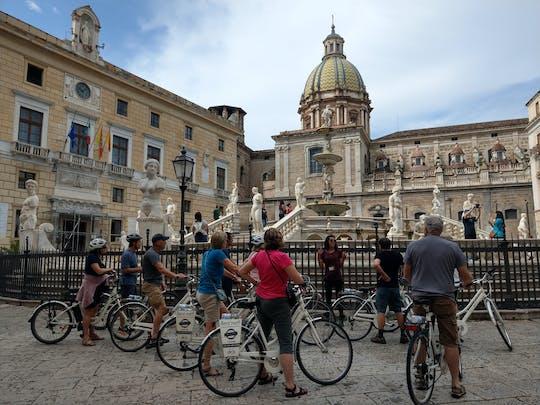 Excursão de bicicleta pela cidade velha de Palermo