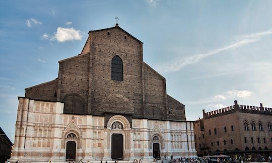 Индивидуальная экскурсия в собор Сан-Петронио с выходом на панорамную террасу на крыше