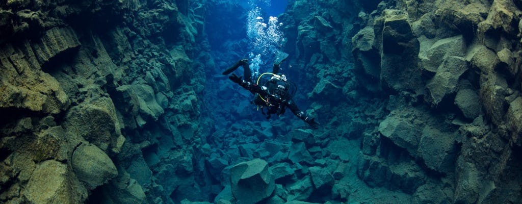 Deep into the blue diving day-tour in Silfra
