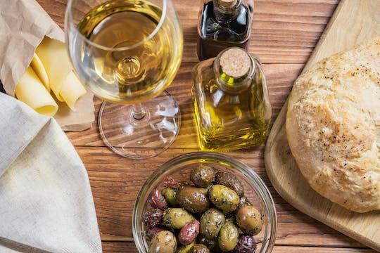 Besichtigung des Weinguts Di Giovanna mit Verkostung von vier Weinen und einem leichten Mittagessen