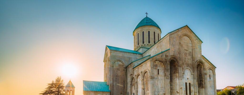 Gita giornaliera privata alla grotta di Prometeo, alla grotta di Sataplia e alla cattedrale di Bagrati, patrimonio mondiale dell'UNESCO