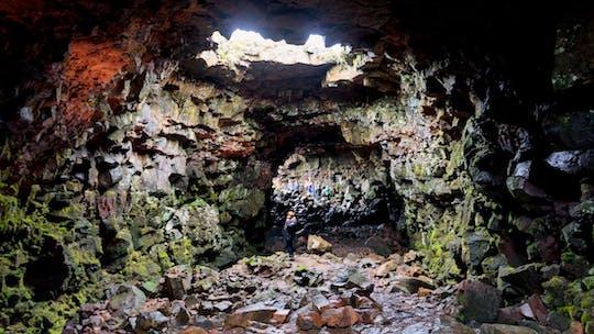 Viaje a la cueva de lava del inframundo en la cueva de Leidarendi