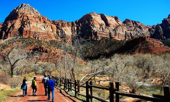 Excursão de 2 dias ao Parque Nacional Zion e Bryce com hospedagem
