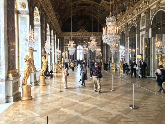 Half-day trip in Versailles with transportation, skip-the-line access and audioguide