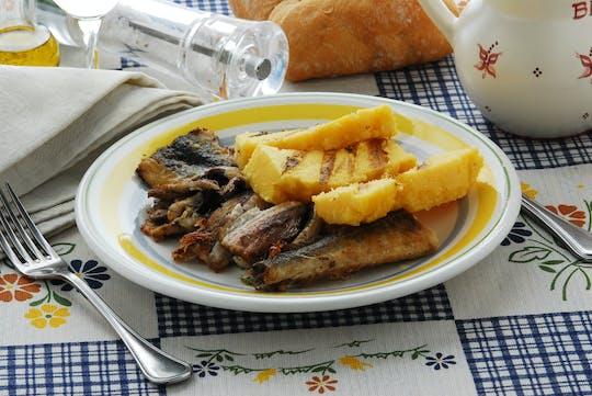 Aula de culinária e degustação na casa de uma Cesarina no lago Como