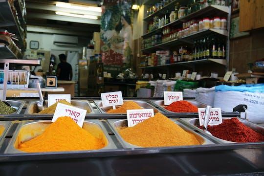 Local food experience in Tel Aviv