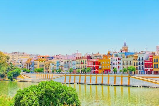 Passeio de iate ao longo do Guadalquivir em Sevilha
