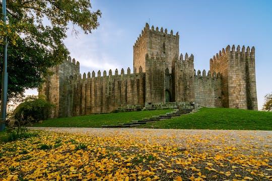 Tour guidato di un'intera giornata da Braga e Guimarães storici da Porto con pranzo