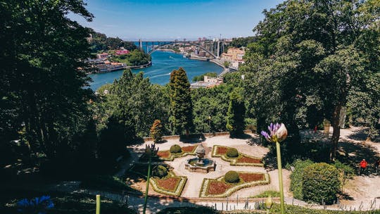 Discovery Game Porto's Jardins do Palacio de Cristal fairytale views and better conversations