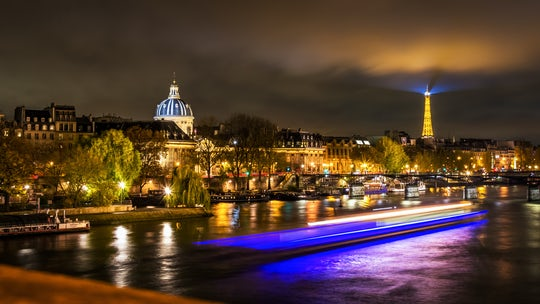 Dinner cruise on the river Seine