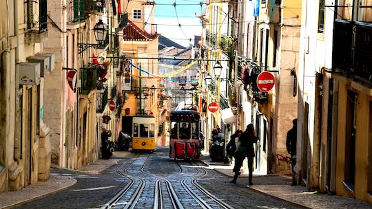 Self-guided Discovery Walk in Lisbon's Bairro and Príncipe Real with local hangouts and forgotten stories