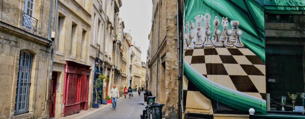 Self-guided discovery walk in Bordeaux's city center