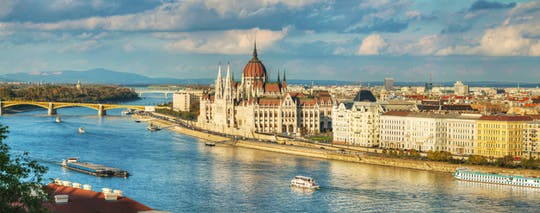Private boat tour in Budapest for 1 or 2 hours